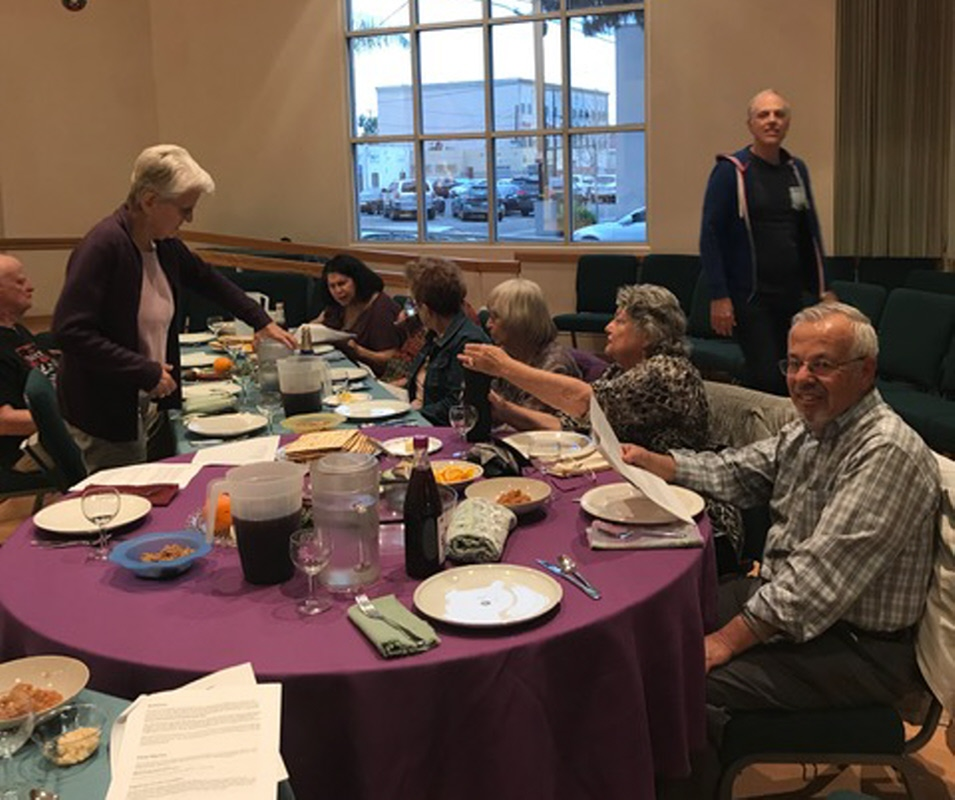 Passover Feast at Emerson UU 2019_008